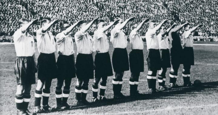 Рука Геббельса: нацистское приветствие от сборной Англии